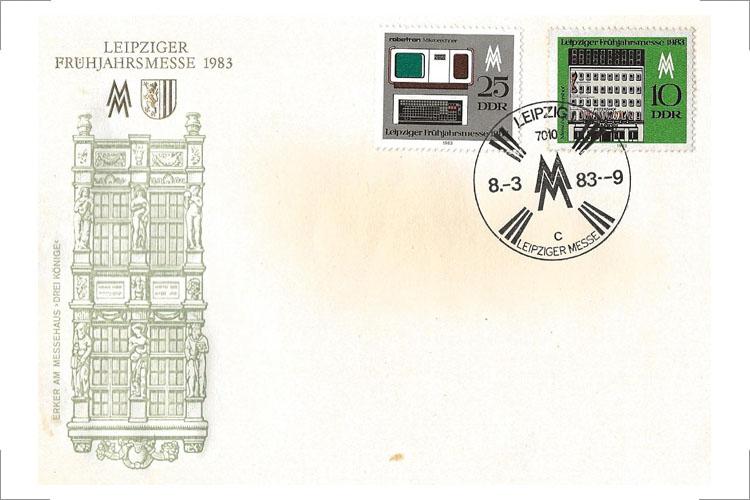 """Sonderbriefmarke zur Leipziger Frühjahrsmesse 1983, mit Darstellung von """"robotron Mikrorechner"""" aus der Auftischgerätereihe von A. Erkmann"""