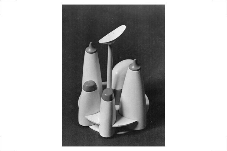 14 Günter Reißmann, Menage, Modell (Holz) für Polystyrol, 1961, Institut für Entwurf und Entwicklung der Hochschule Halle. Presswerk Ottendorf-Okrilla (Foto: K.A. Harnisch)